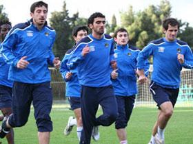 Сборная Азербайджана по футболу отправляется в Дубаи