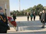 Президент Ильхам Алиев посетил Аллею шехидов